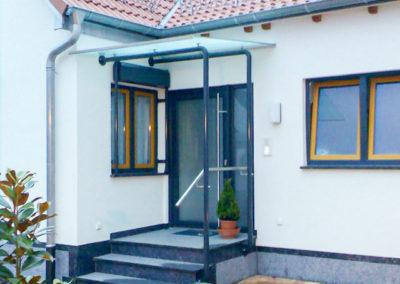 Vordach für Haus