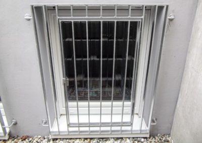 Fenster mit Sicherheitsgitter