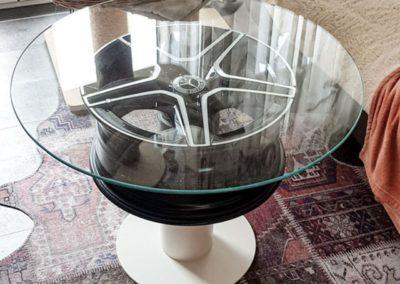Felge als Glastisch